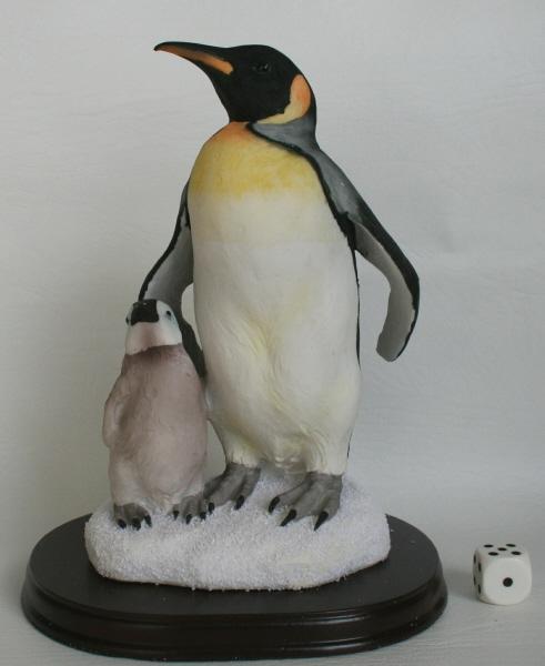 pinguine figuren tierfiguren. Black Bedroom Furniture Sets. Home Design Ideas